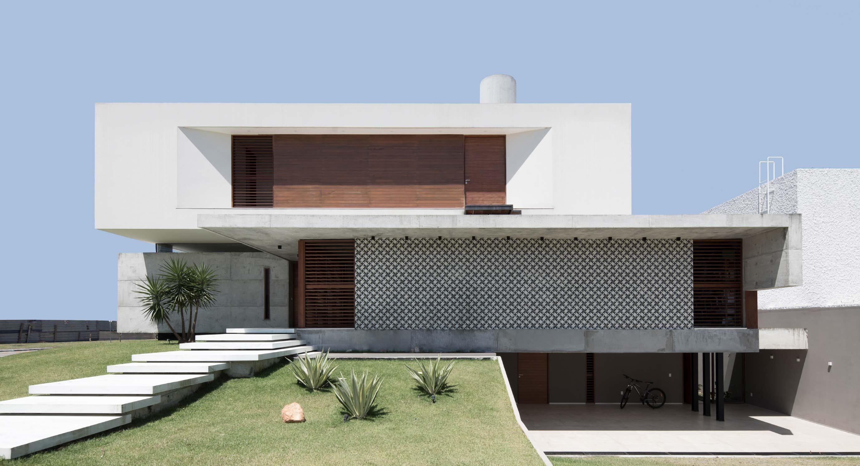 Martins Lucena Arquitetos' Concrete Coastal Home In Brazil