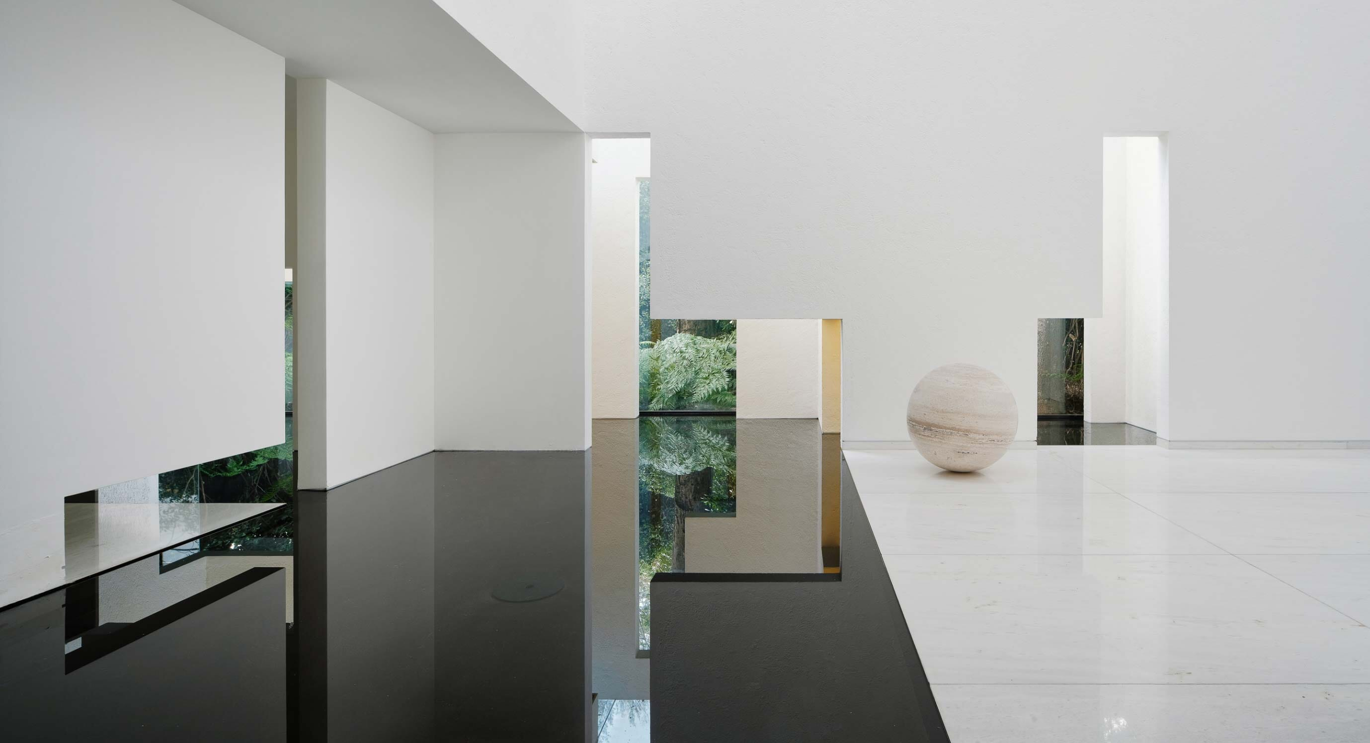 Rombo IV Is A Calm Multi-Coloured Haven In Mexico City