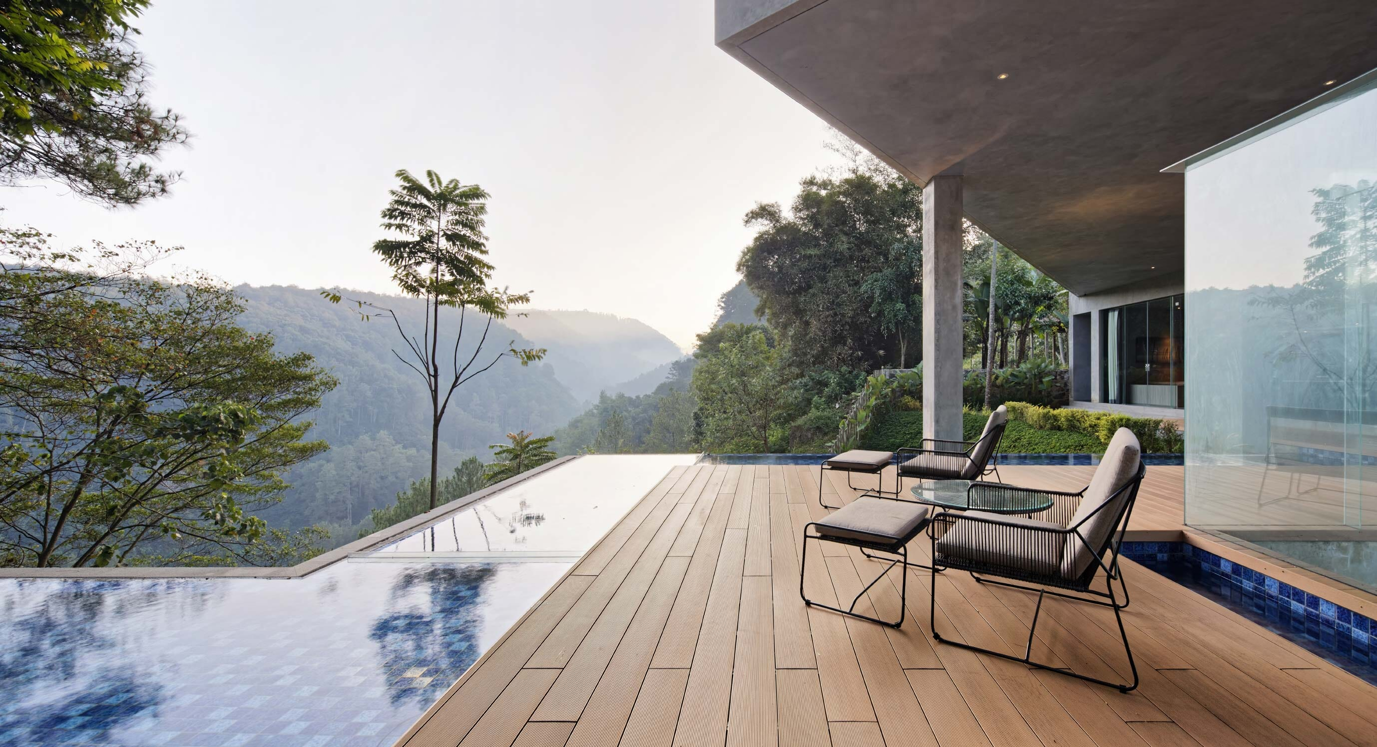 Hanging Villa Is A Haven In The Indonesian Jungle