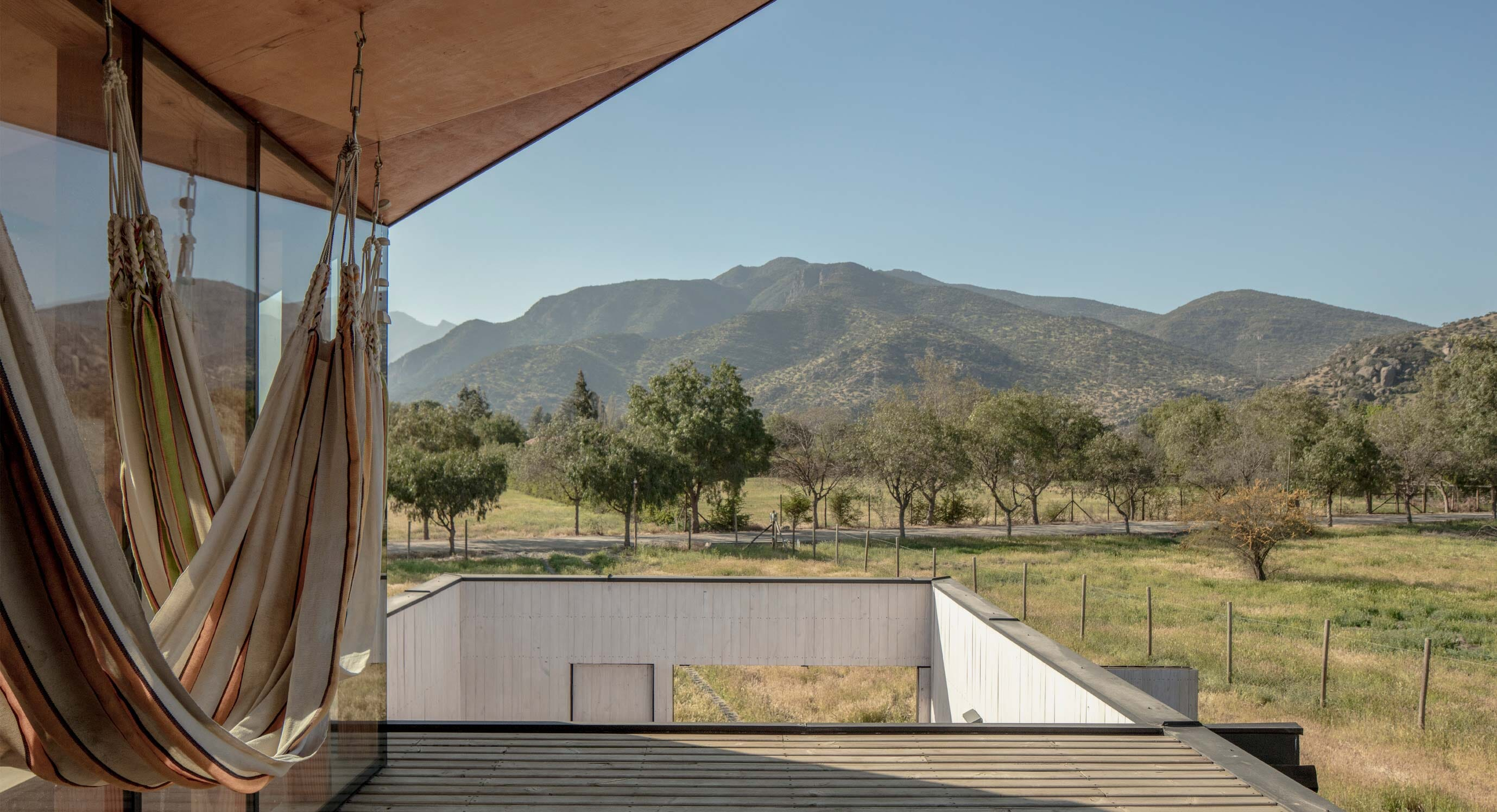 Palomba House Questions Privacy In The Chilean Countryside