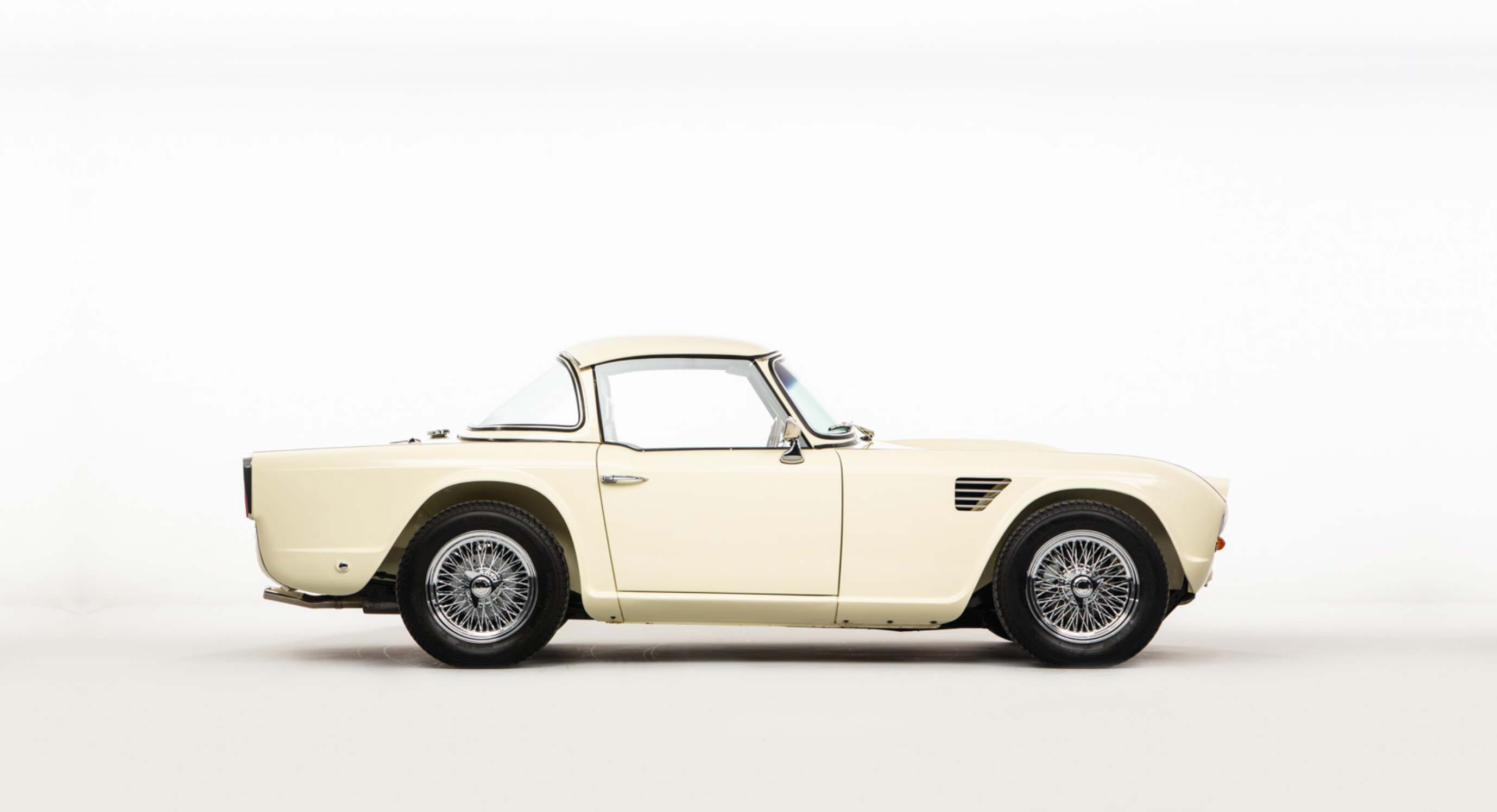 This 1962 Triumph TR4 Blends Heritage & High-Performance