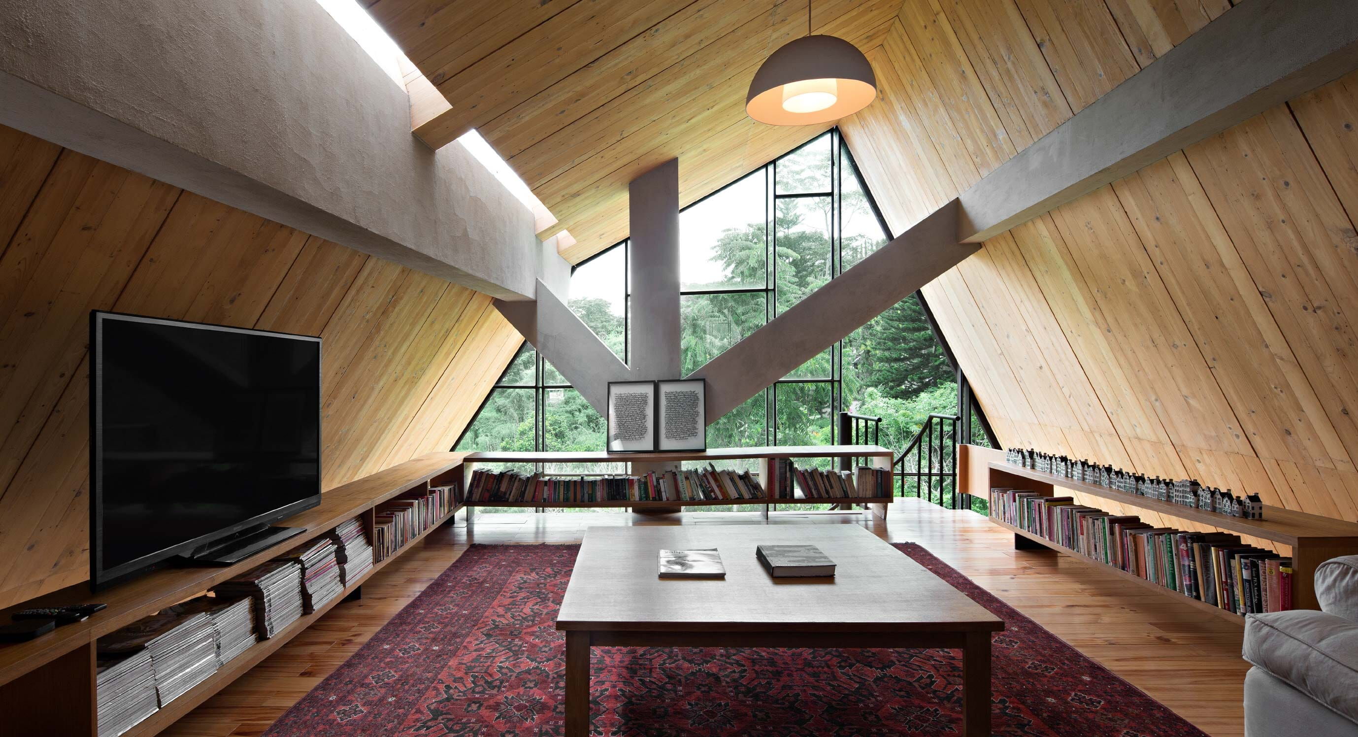 EH House Is A Stylish Secluded City Escape