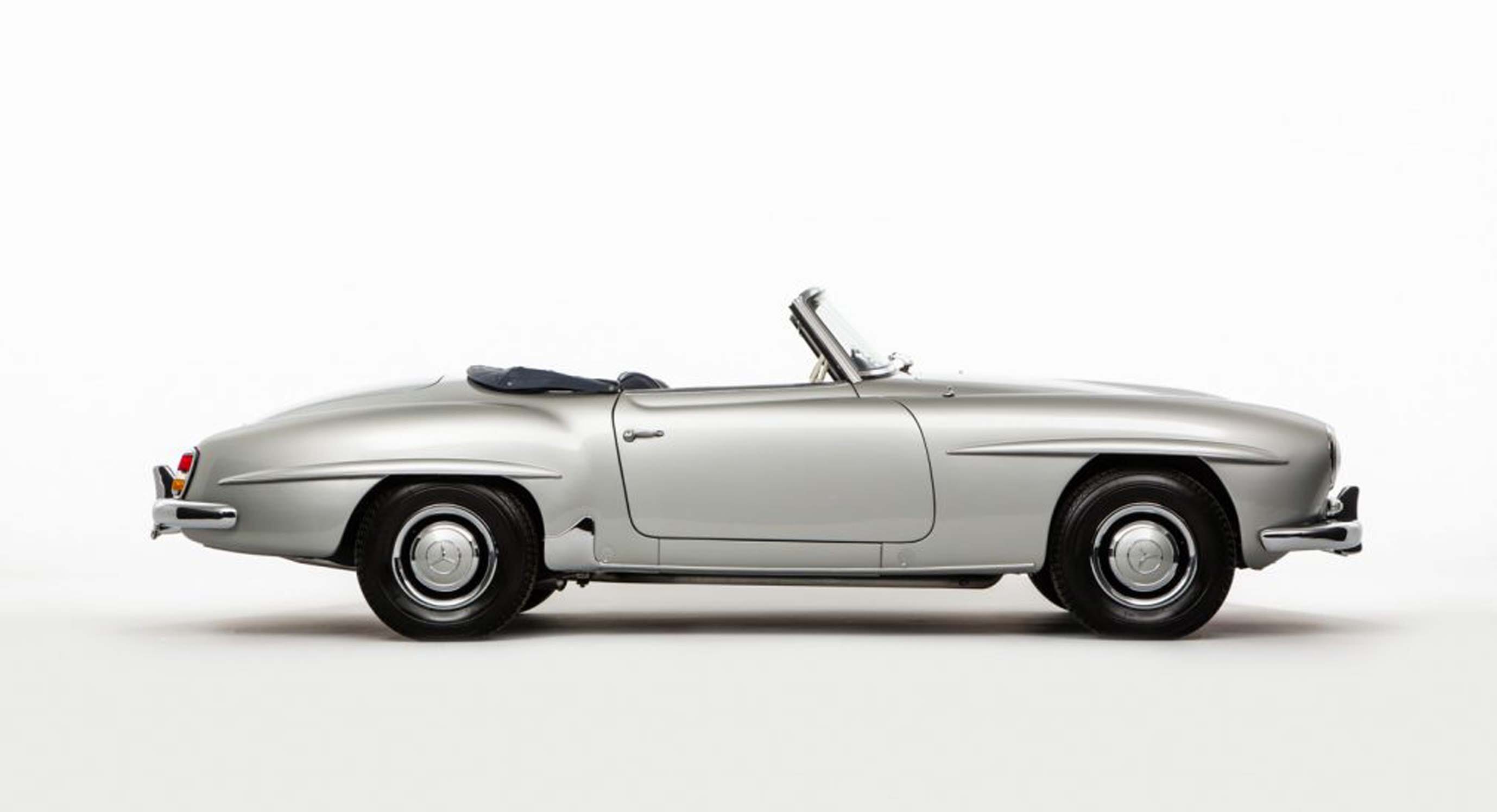 This 1962 Mercedes-Benz 190SL Is A Luxury Roadster In Prime Condition