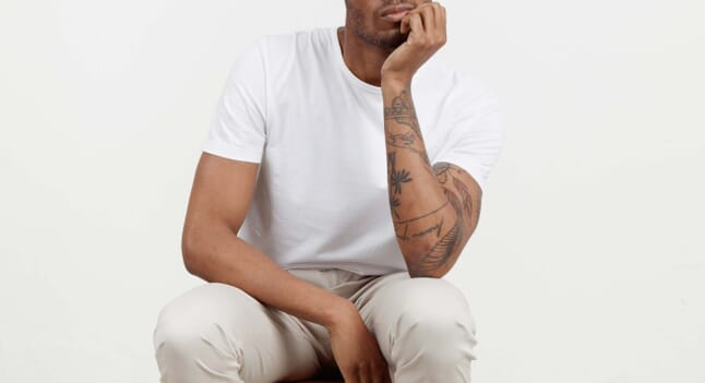 How to choose the perfect plain white tee