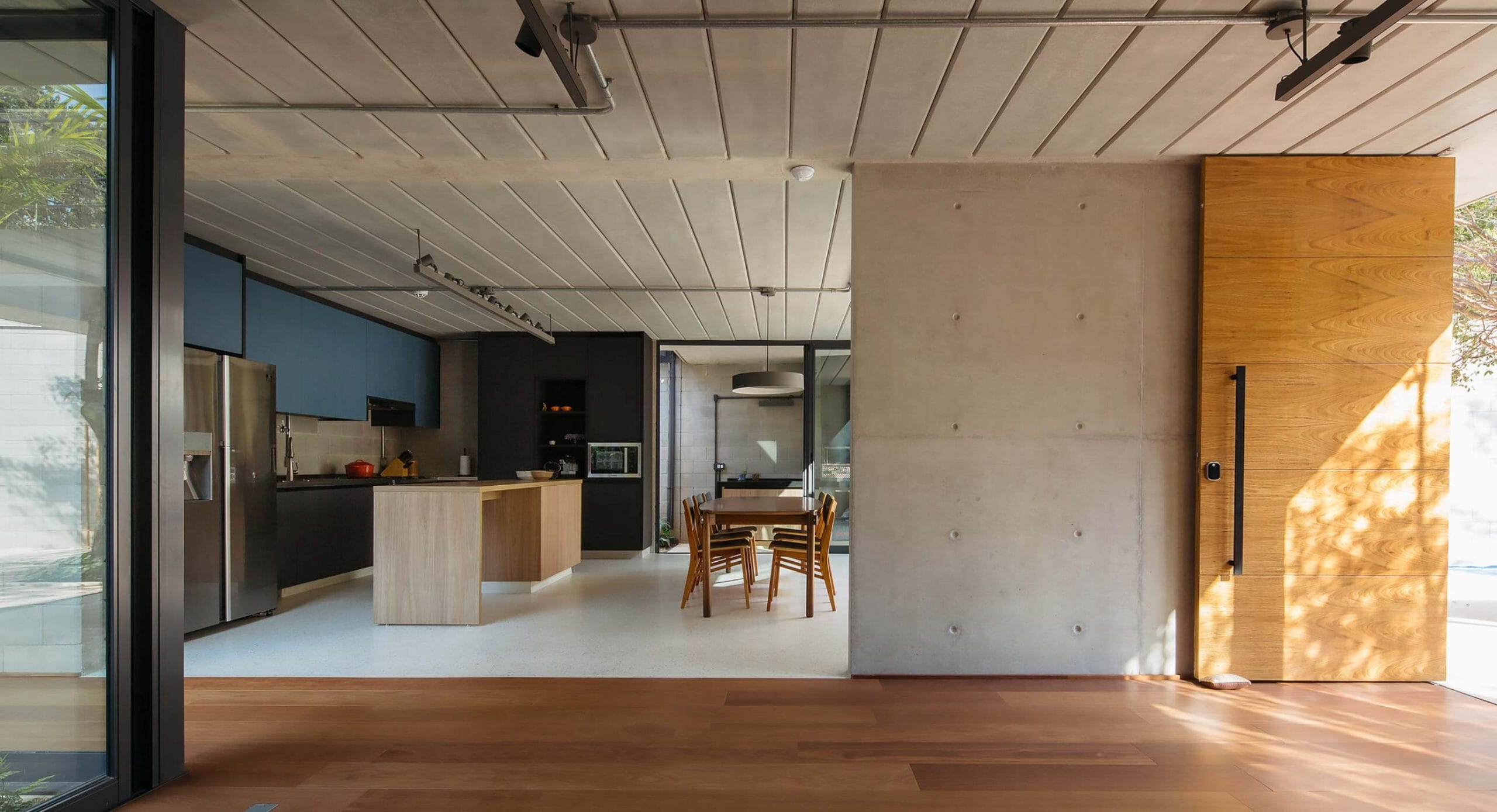 Jabuticabeiras House: Designing around nature