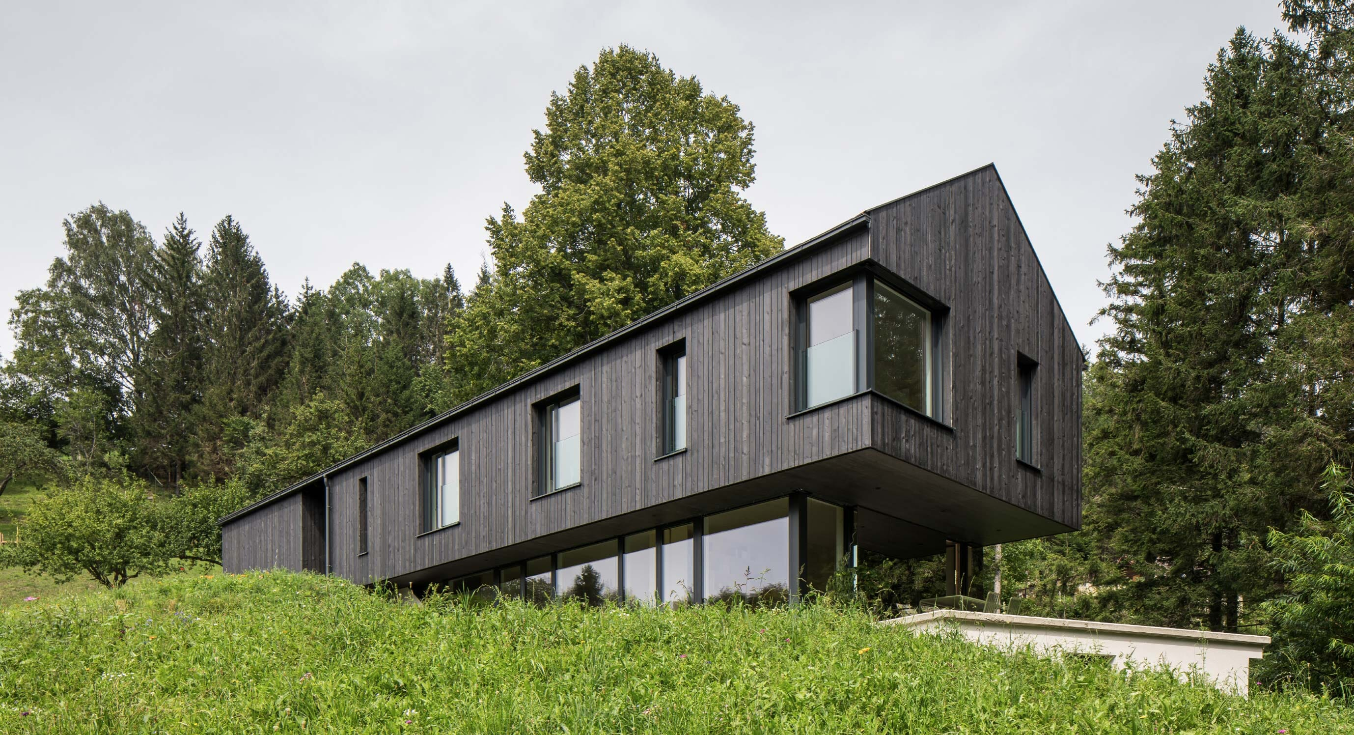 The Mountain House: Tradition and modernity