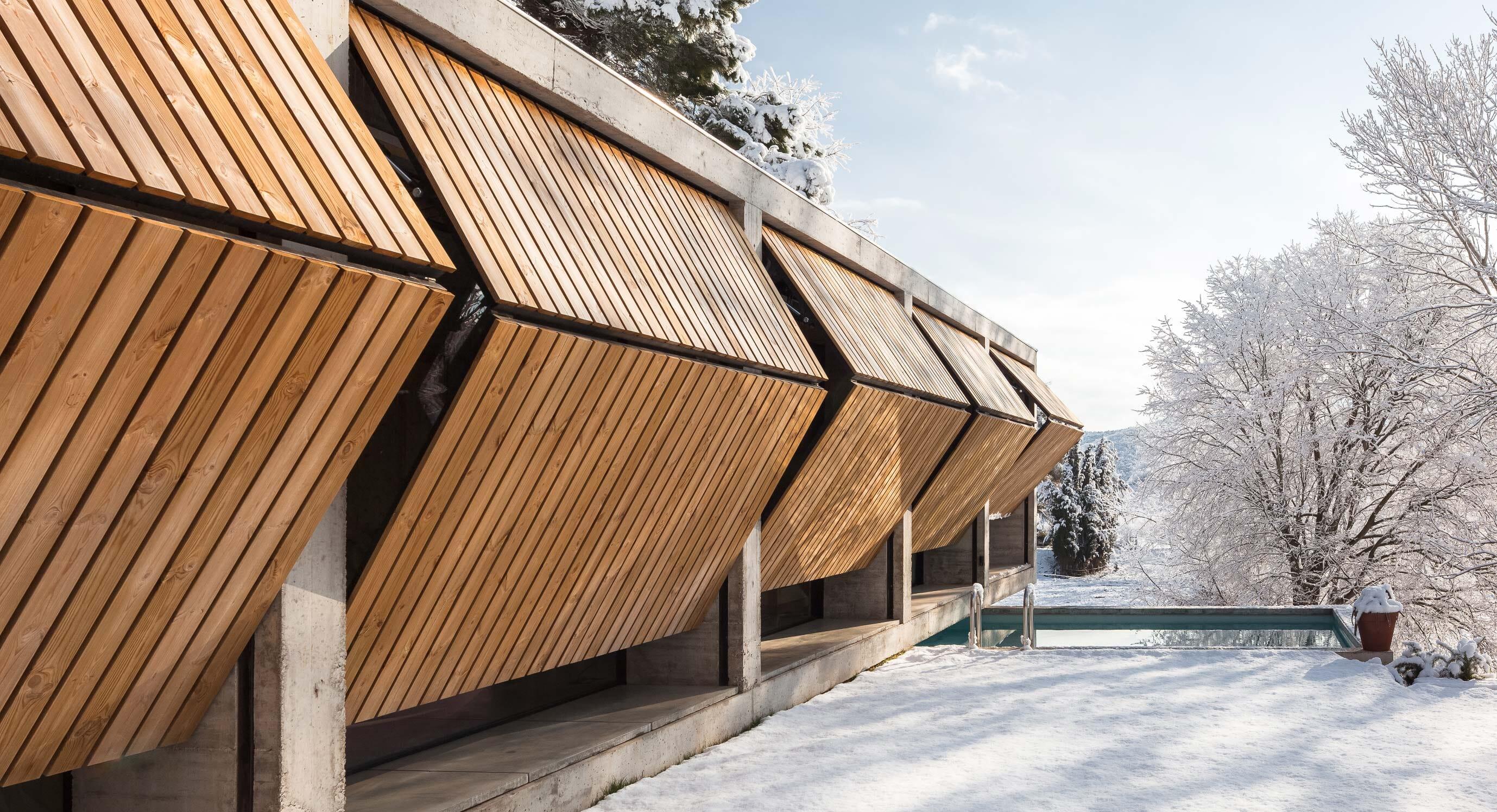 Retina House: Emphasis on surroundings
