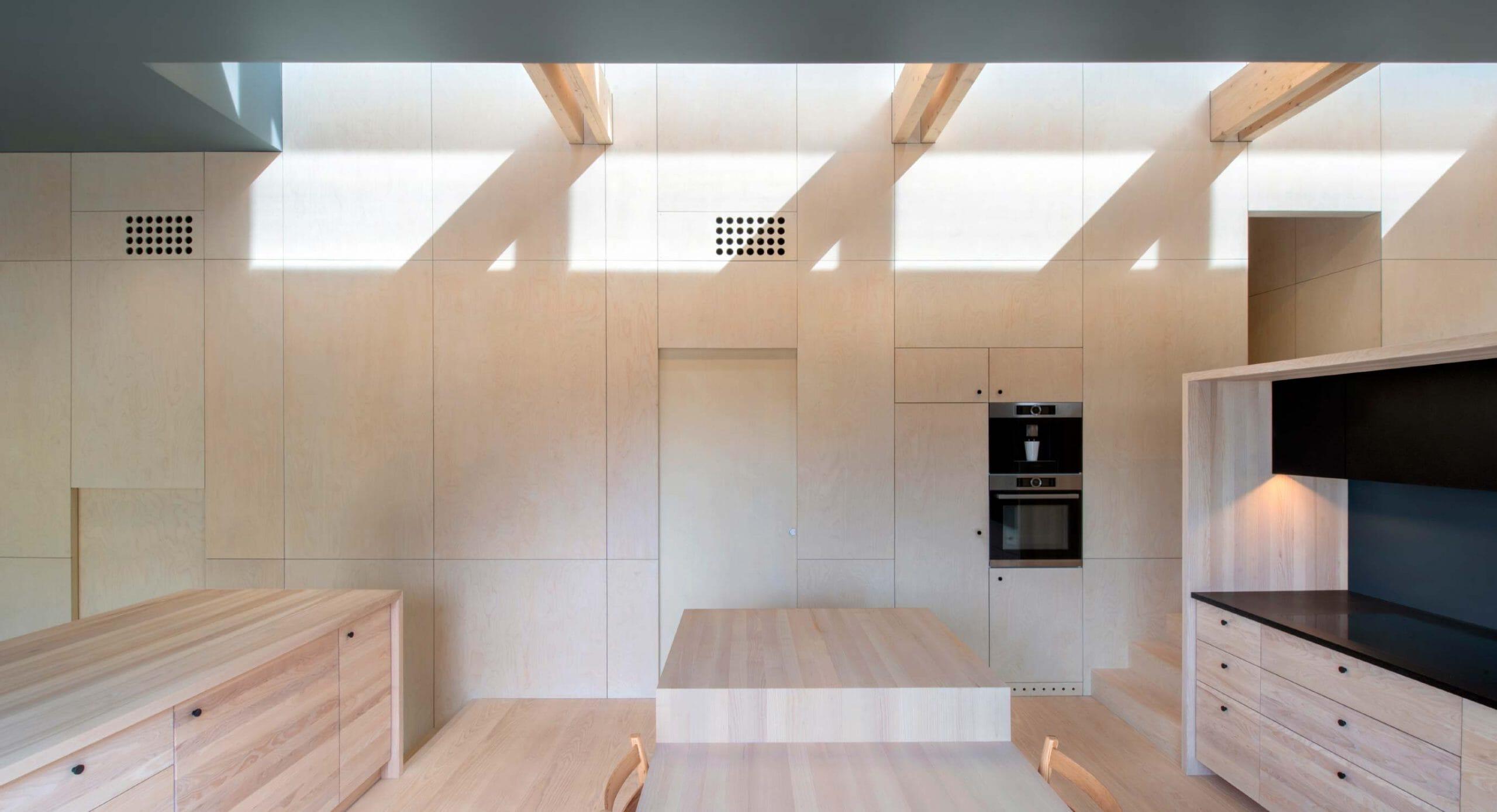 Villa Void: Directing natural light