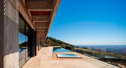 House in Monchique: Communication with environment