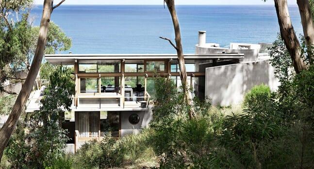Ocean House: A beach house between land and sea
