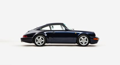 Porsche 911 964 C4: Flat-six symphony in midnight blue