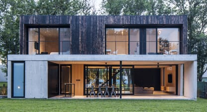 Black House: A modern home full of contrasts