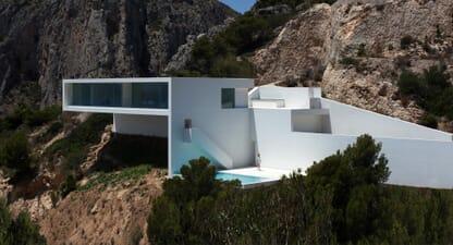 5 impressive clifftop houses that push the boundaries of design