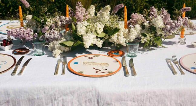 Elevate everyday mealtimes with Polkra's artist-designed tableware