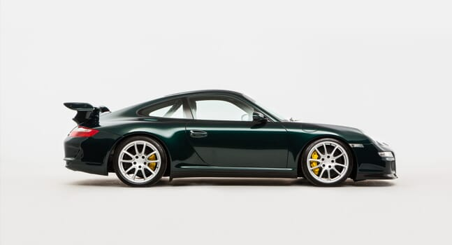 Porsche 911 GT3 RS: Purebred race car for the road